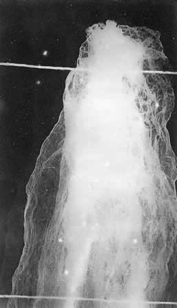 http://psychictruth.info/P_Kathleen_Goligher_ectoplasm_2.jpg